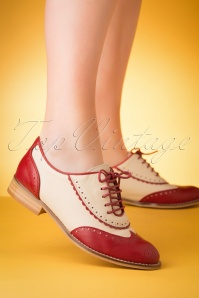 La Veintinueve 60s Simone Oxford Shoes in Beige and Red