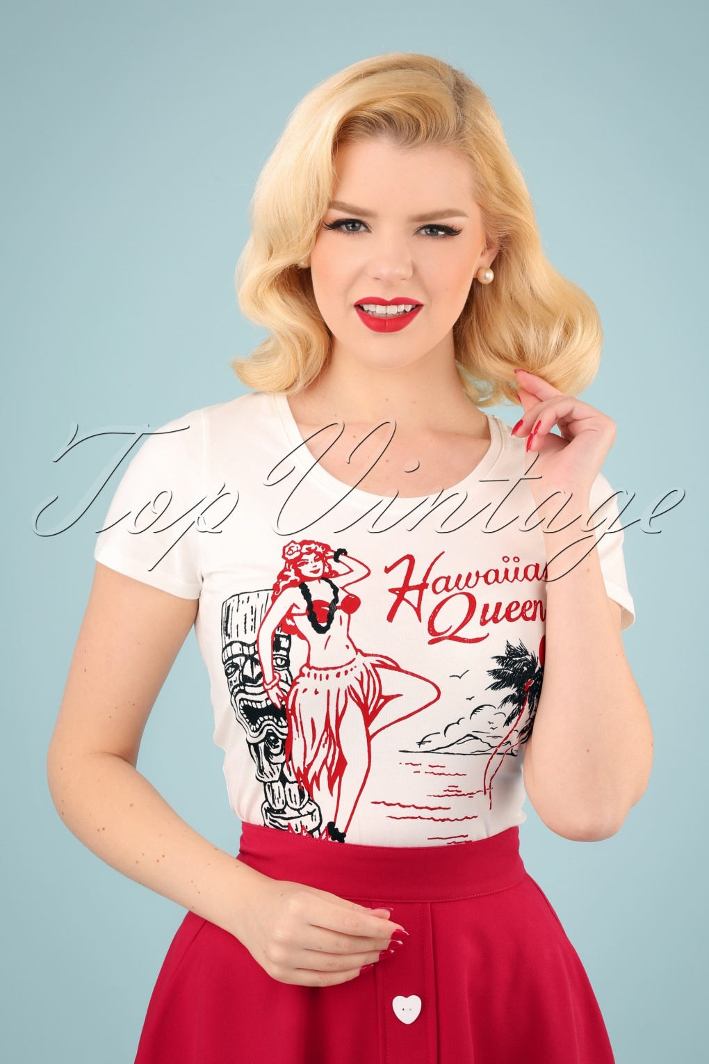 1950s Rockabilly & Pin Up Tops, Blouses, Shirts 50s Hawaiian Queen T-shirt in Off-White �25.86 AT vintagedancer.com