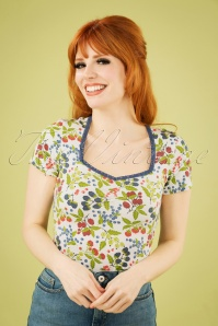 50s Groovemistress Tee in Berry Friends Ivory