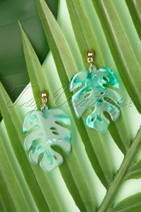 70s Tortoise Leaf Earrings in Green