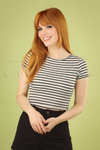 Bright and Beautiful Emma Striped Cropped Tee Années 70 en Blanc