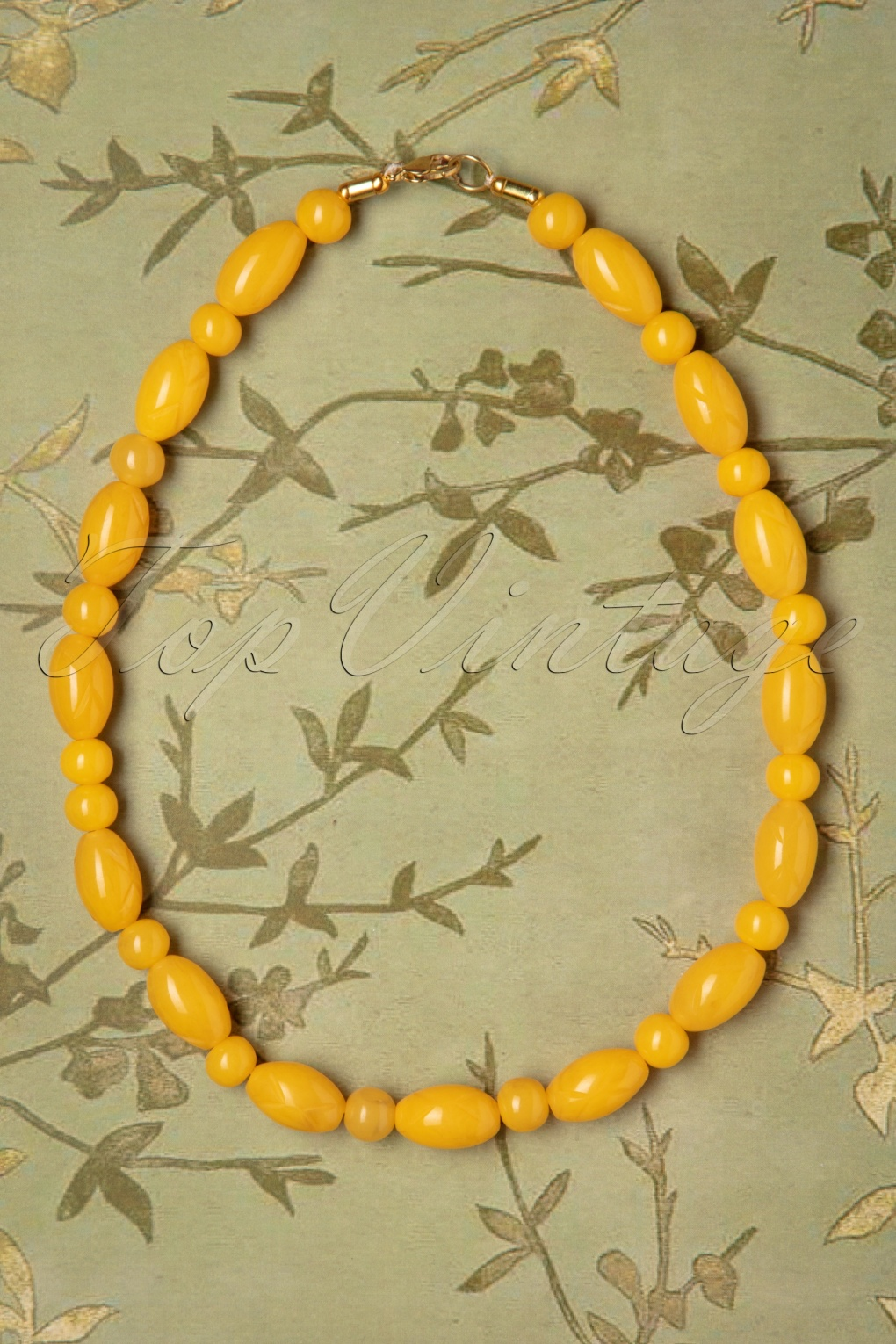 New Fifties Dresses | 50s Inspired Dresses TopVintage Exclusive  50s Lemon Carved Beaded Necklace in Yellow £16.34 AT vintagedancer.com