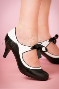 50s Jeanie Bow Pump in Black and White
