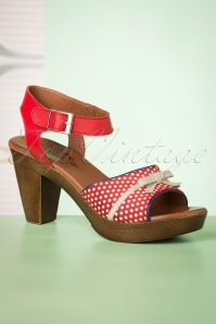 60s Karina Leather Platform Sandals in Red