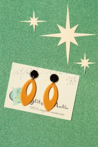 50s Ellips Pendant Earrings in Mustard