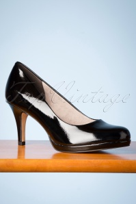 Tamaris 50s Bernice Lacquer Pumps in Black