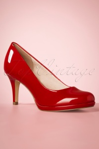 Tamaris 50s Bernice Lacquer Pumps in Chili Red