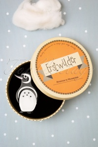 Erstwilder 31204 Brooch Penguin Northside Wanderer Snow 06232019 0013W