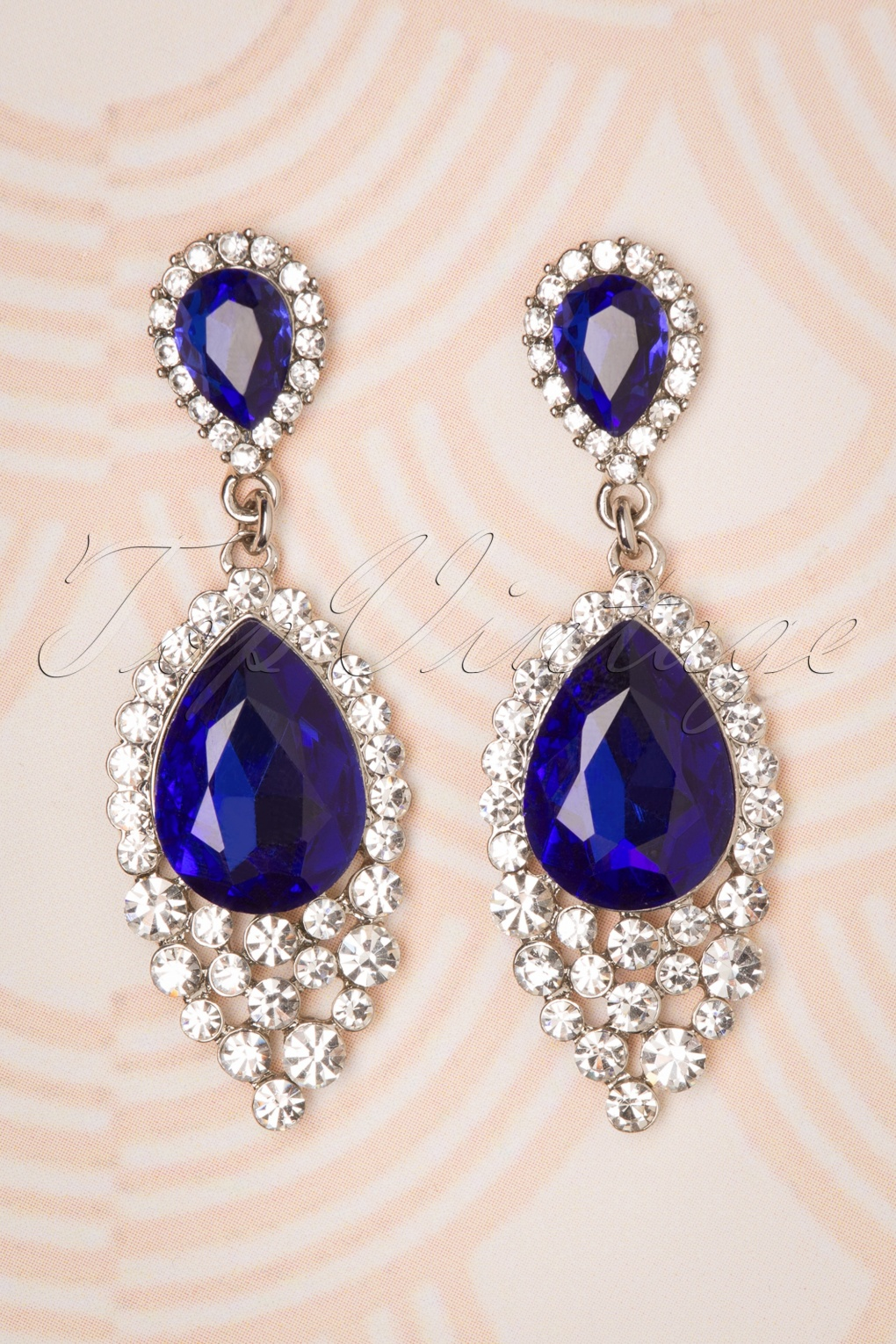 1950s Fashion History: Women's Clothing 50s Sapphire Jewel Drop Earrings in Silver £11.79 AT vintagedancer.com