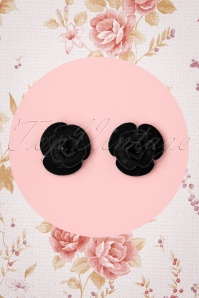 Collectif Clothing 50s Velvet Rose Earstuds in Black