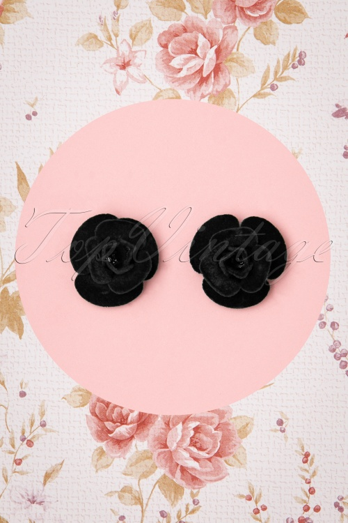 Collectif 30468 Roses Studs Black Velvet 20190715 0007W