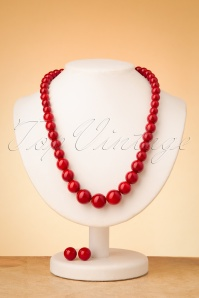 Collectif Clothing 50s Natalie Bead Necklace Set in Burgundy
