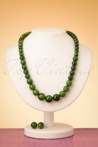 Collectif Clothing 50s Natalie Bead Necklace Set in Green
