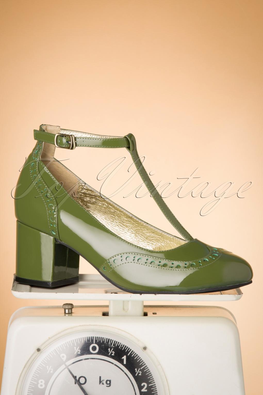60s Dresses & 60s Style Dresses UK 60s Eve Mad For Mod Block Heel Pumps in Grass Green £89.09 AT vintagedancer.com
