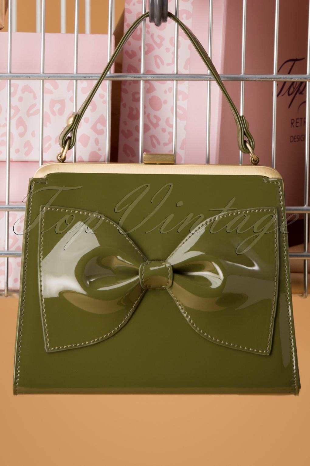 1950s Handbags, Purses, and Evening Bag Styles 50s Inez Says Go Handbag in Grass Green £26.77 AT vintagedancer.com