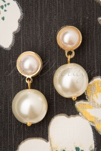50s Classy Pearl Earrings in Ivory