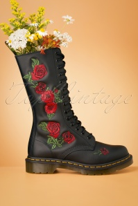 Dr. Martens 1914 Vonda Softie T Boots in Black