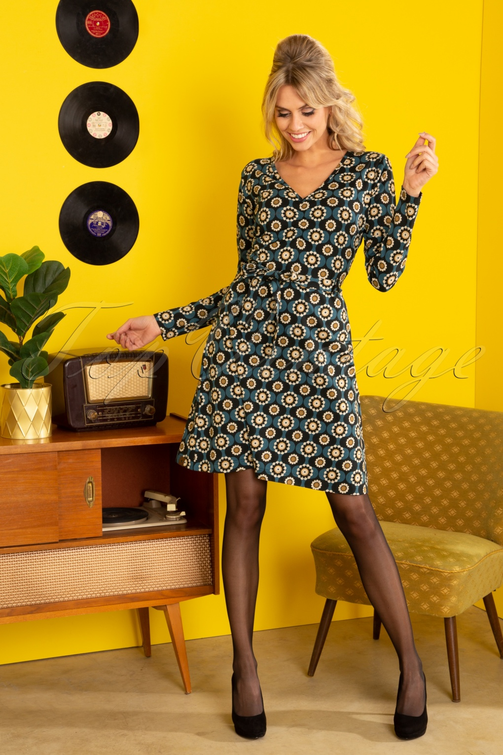 1960s Style Dresses, Clothing, Shoes UK 60s Groove To Get Down Swing Dress in Blue £89.75 AT vintagedancer.com