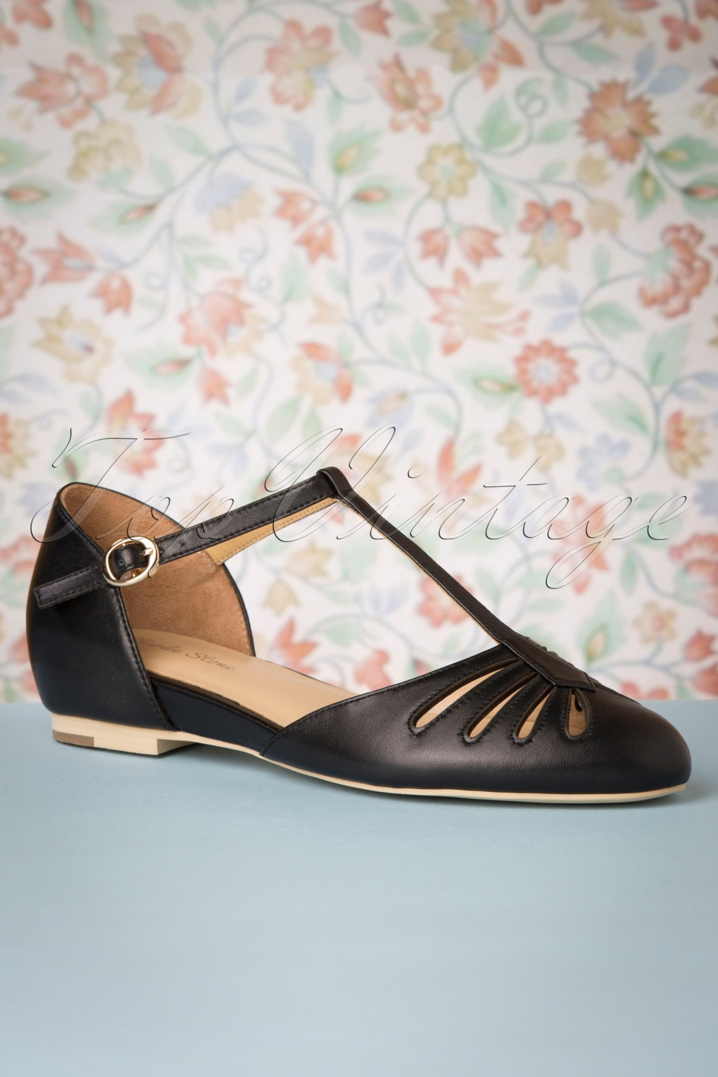 Vintage Heels, Retro Heels, Pumps, Shoes 50s Singapore T-Strap Flats in Black £104.32 AT vintagedancer.com