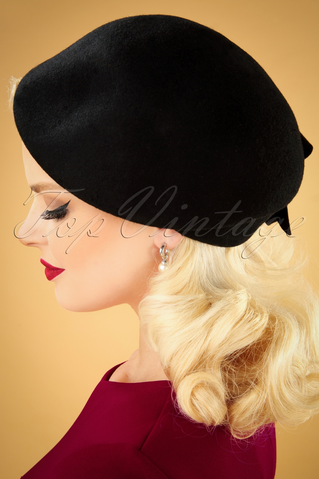 1950s Women's Hat Styles & History 50s Salma Wool Flat Cap Hat in Black £29.42 AT vintagedancer.com