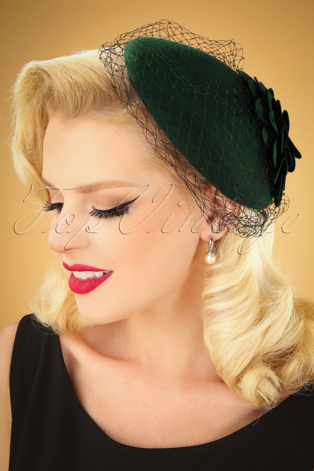 1950s Women's Hat Styles & History 50s Sammy Wool Fascinator Hat in Green £29.37 AT vintagedancer.com