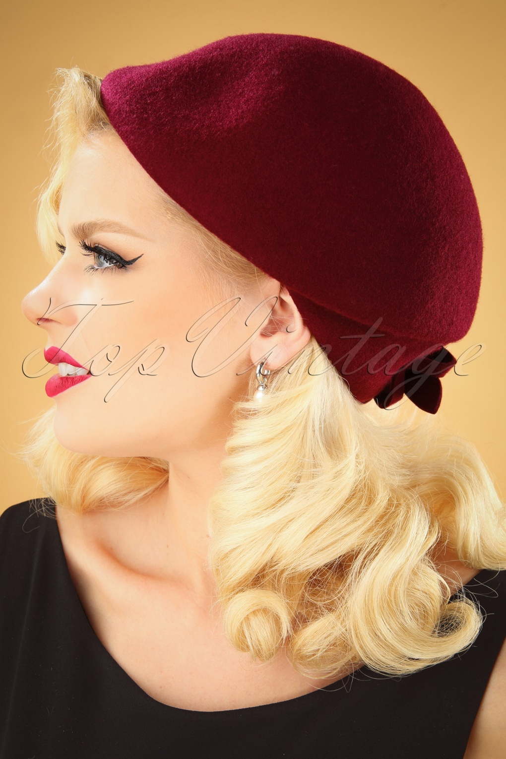 1950s Clothing 50s Salma Wool Flat Cap Hat in Burgundy £29.37 AT vintagedancer.com
