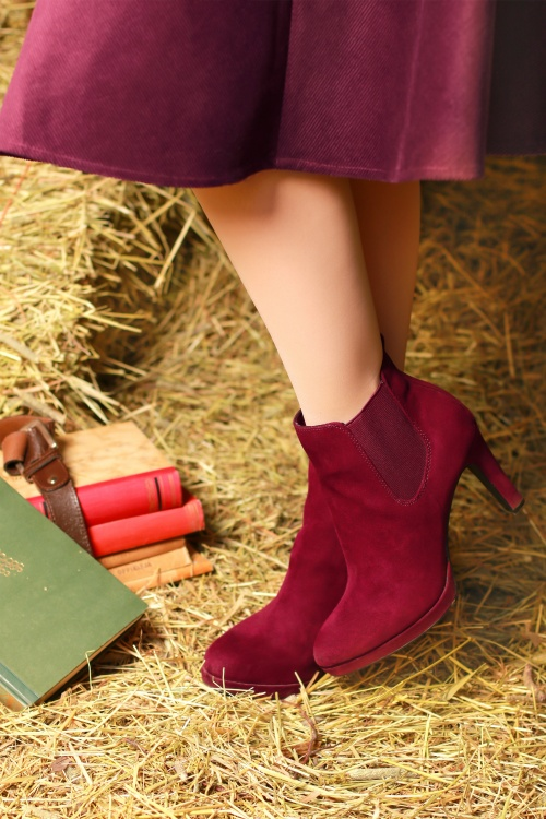 Bunny 30730 Jefferson Swing Skirt in Wine Corduroy Tamaris 25785 Classy Suedine Ankle Booties in Lipstick Red 20190816 020L