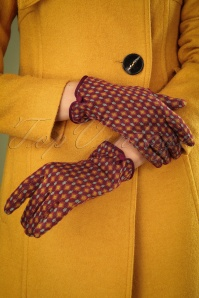 60s Diamond Gloves in Beet Red