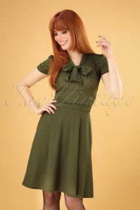 Debra Pin Dot Swing Dress Années 50 en Vert Olive