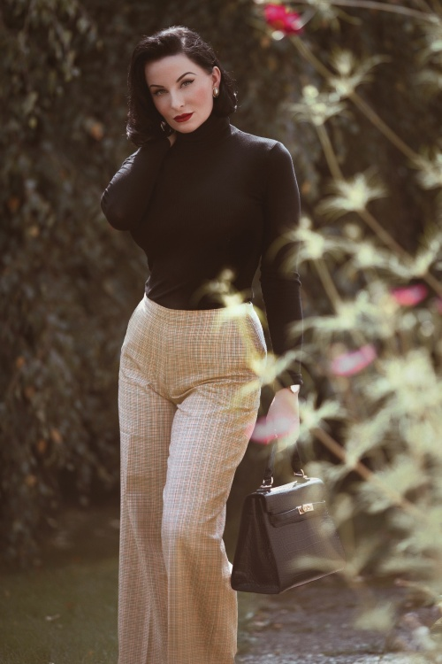King Louie 29398 Rollneck Tencel Rib Top in Black 29460 Ethel Connery Pants in Beige 20190903 030i