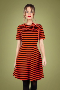 Marnie Striped Swing Dress Années 60 en Rouge et Noir