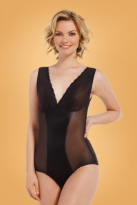 DSIRED Scallop Sheer Body in Black