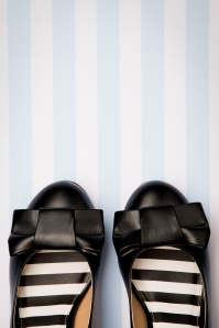 Lola Ramona 30269 Black Eve Pump Bow 20190902 014 copy