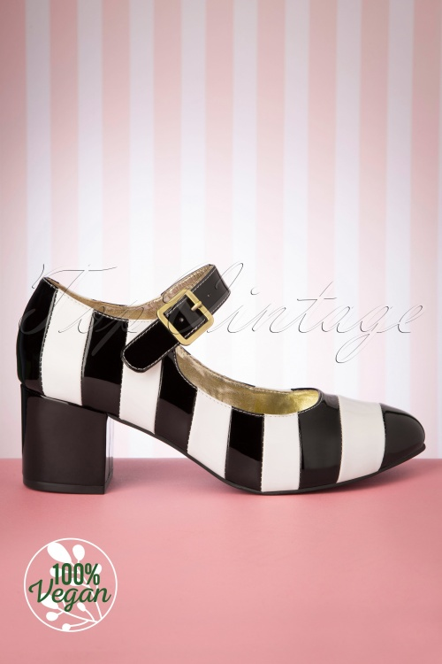 Lola Ramona 30261 Eve Pump Heels Black White Striped 20190902 003 vegan