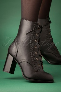 Banned Retro 60s Clustered Heritage Boots in Black