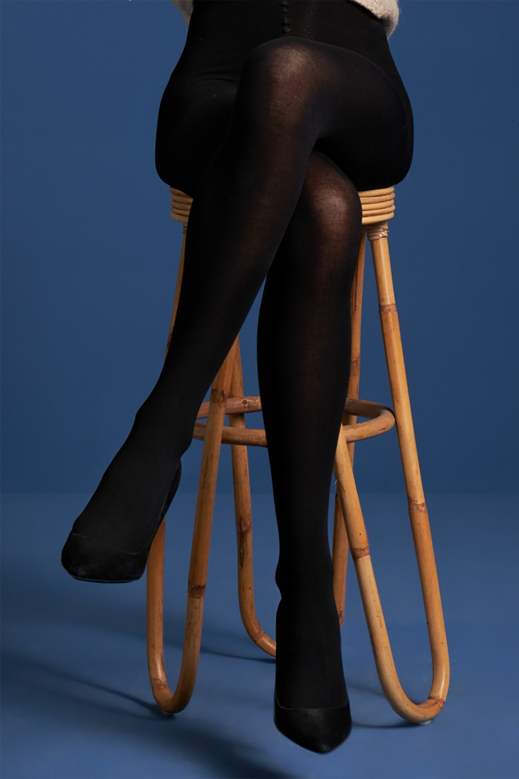 1960s Style Dresses, Clothing, Shoes UK 60s Modal Tights in Black £17.46 AT vintagedancer.com