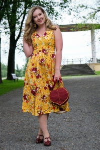 Belle Ditsy Swing Dress Années 50 en Moutarde