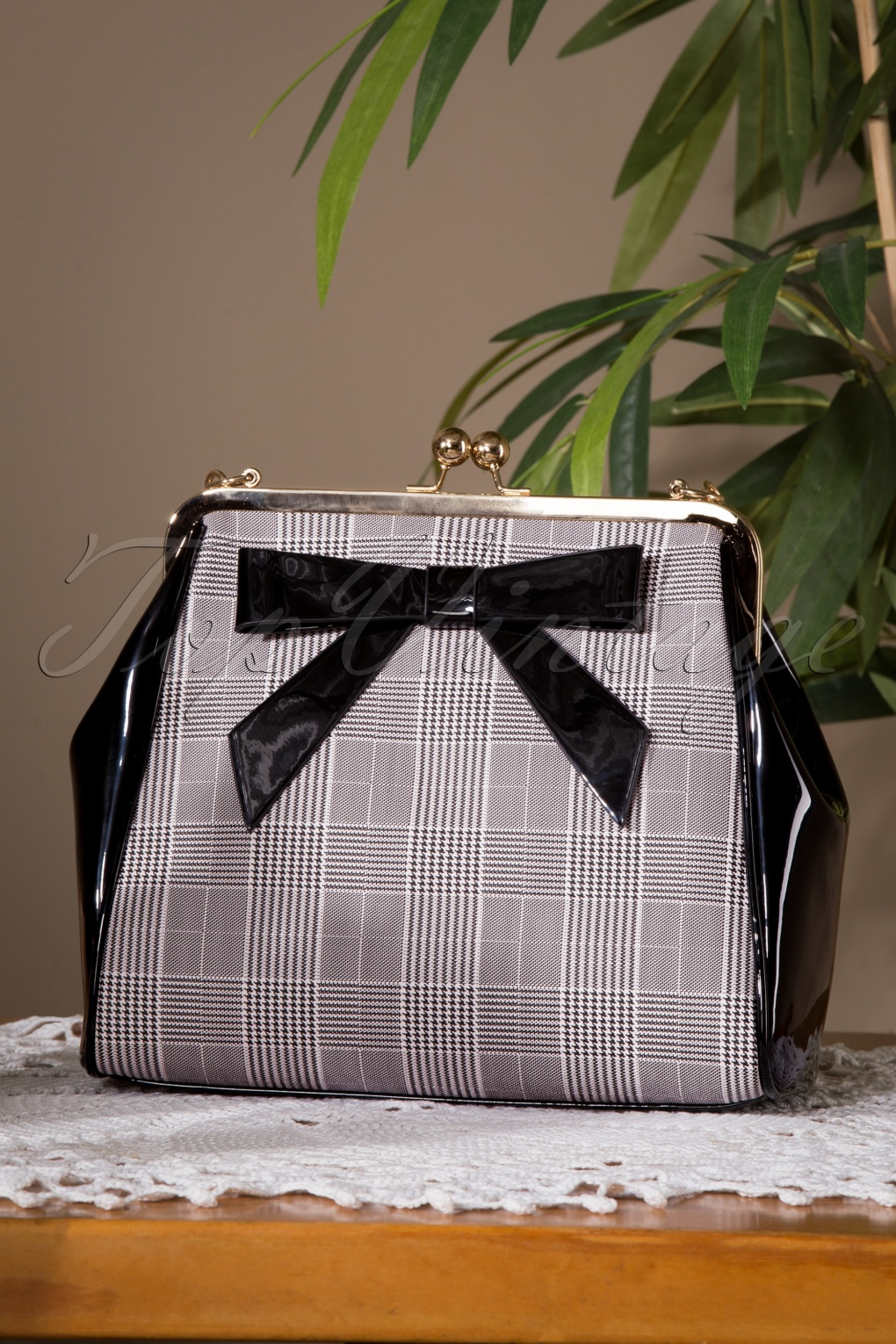 1950s Handbags, Purses, and Evening Bag Styles 50s Caraboo Houndstooth Bag in Black £35.71 AT vintagedancer.com
