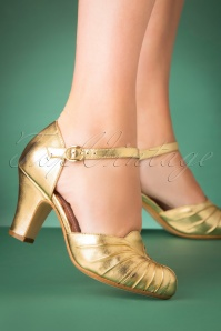 40s Amber Leather Mary Jane Pumps in Gold
