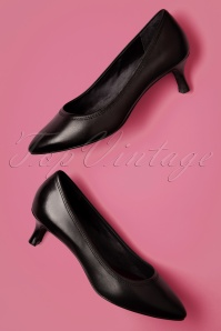 60s Kaiya Leather Kitten Heel Pumps in Black