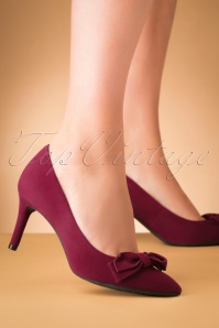 50s Bow Suede Pumps in Merlot