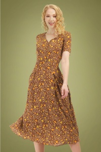Bright and Beautiful 70s Daisy Granny Floral Dress in Brown