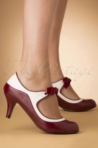 Lulu Hun 50s Jeannie Pump in Burgundy