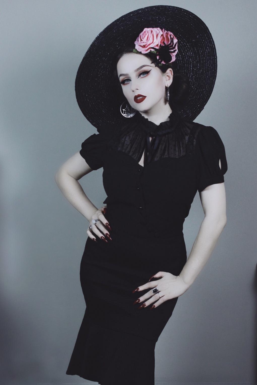VV X Acid Doll Coalette Blouse Années 50 en Noir
