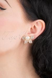 Lovely 31368 Pearl Half Flower Earring 041M W