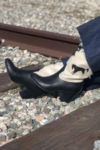 BAIT 31231 Handsdown Boots in Black and Cream 20191011 028L copy