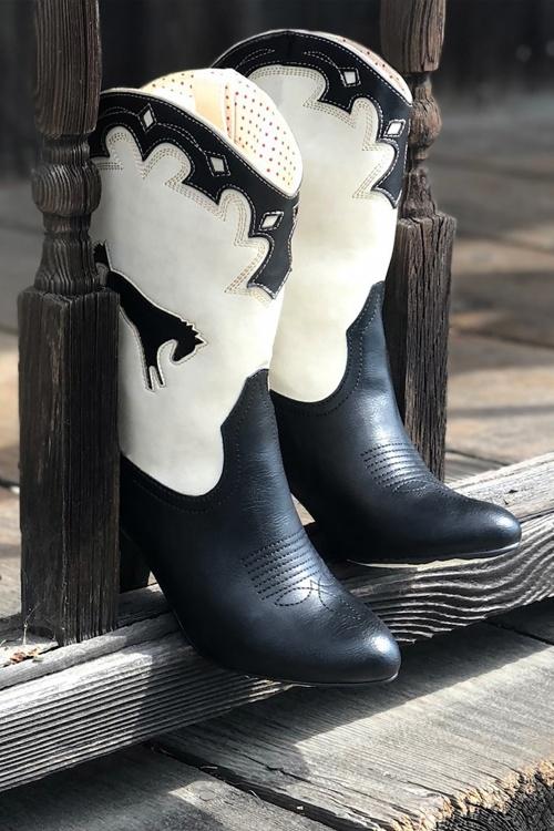 BAIT 31231 Handsdown Boots in Black and Cream 20191011 027L copy