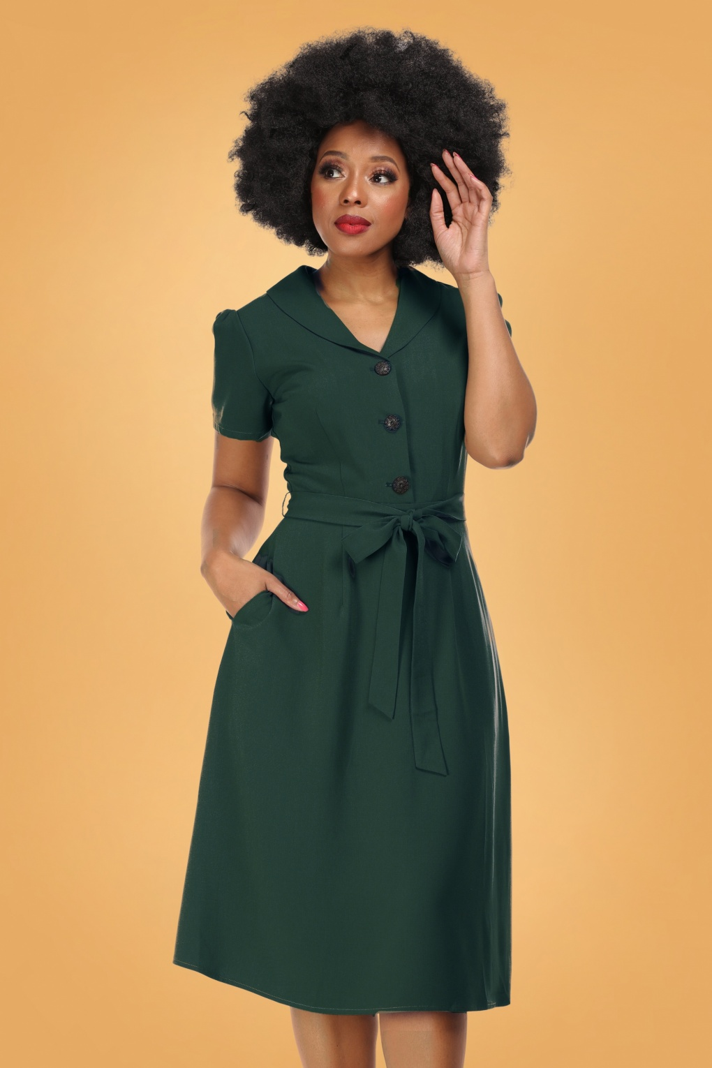 1940s Plus Size Fashion: Style Advice from 1940s to Today 40s Hattie Flared Dress in Green £63.27 AT vintagedancer.com