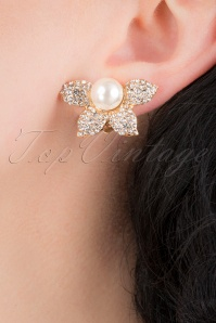 50s Crystal and Pearl Flower Clip On Earrings in Gold