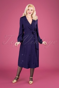 Luna Lips Wrap Midi Dress Années 50 en Violet de Minuit